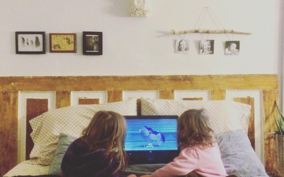 Les outils informatiques pour regarder un film au lit.